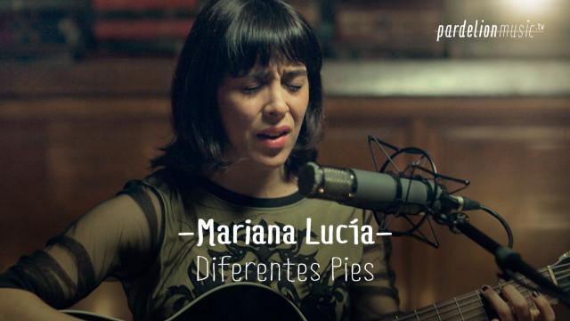 Mariana Lucía – Diferentes pies
